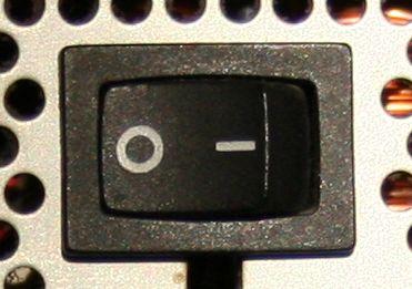 Schalter des Netzteils am PC
