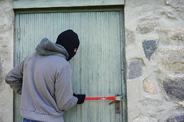 Einbrecher Tresor