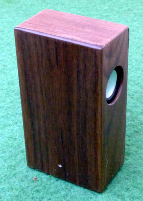 woodbrick induktionslautsprecher im test nicht spurlos. Black Bedroom Furniture Sets. Home Design Ideas